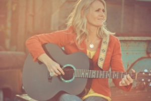 Lissa Hunter | Worship Leader
